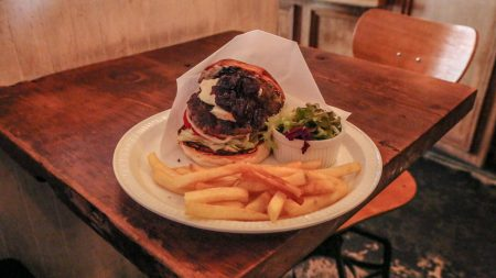 Burger-Mania-13-450x253 Best Burger Joints in Tokyo: The Sequel