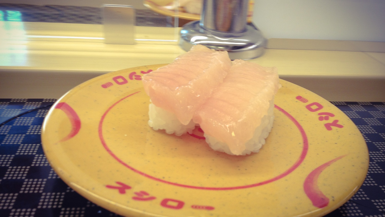 kaiten-sushi-6 5 of the Best Sushi-Go-Rounds in Tokyo