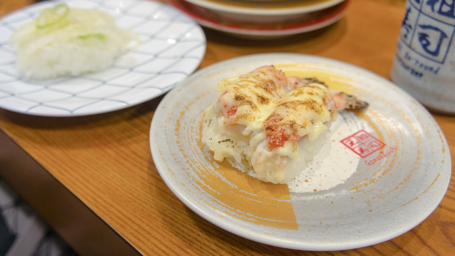 kaiten-sushi-8 5 of the Best Sushi-Go-Rounds in Tokyo